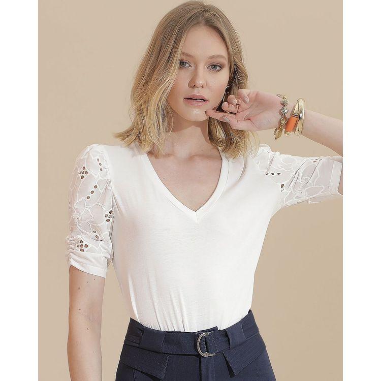T-Shirt-Off-White-M3823035-1